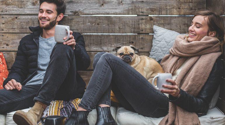 Ce ne menține fericiți și sănătoși de-a lungul vieții?